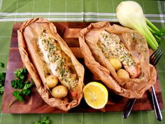 Lax i kapprock med fänkåls- och limesmör (kock Tommy Myllymäki) Fish And Seafood, Fish Recipes, Grilling, Food And Drink, Turkey, Mexican, Meat, Ethnic Recipes, Fish Food