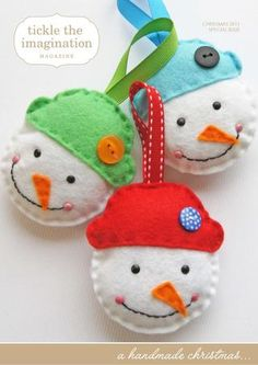 The Simple Snowman DIY Ornament is a great project to make yourself or with a little helper. Take any scraps of felt from your stash and put them to use on these quaint DIY felt ornaments. Felt Snowman, Diy Snowman, Felt Christmas Ornaments, Christmas Time, Christmas Ideas, Snowman Ornaments, Handmade Ornaments, Felt Decorations, Christmas Tree Decorations