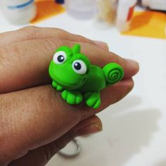 Dalumart - Fotos Polymer Clay Dragon, Polymer Clay Figures, Fondant Figures, Polymer Clay Creations, Clay Crafts, Diy And Crafts, Rapunzel Cake, Rapunzel Birthday Party, Homemade Clay