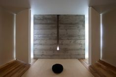 Awesome 33 Minimalist Meditation Room Design Ideas : Awesome 33 Minimalist Meditation Room Design Ideas With Brown Wall Stone Decor And Black Pillow With Hardwood Floor