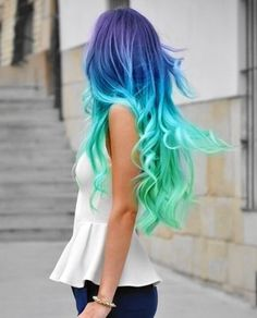 Beautiful ombre blue hair.