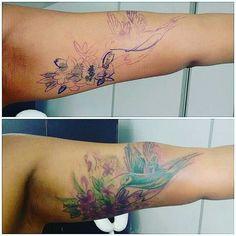 【cynaranicolau】さんのInstagramをピンしています。 《Eu e as fotos ruins !  Sandra , mais uma vez ,gratidão por sair de longe pra prestigiar o meu trabalho ! Isso engrandece minha alma!  #coverup  #colorfulcoverup  #hummingbird  #cherryblossoms  #watercolorcoverup  #inkedgirls  #tattooedwomen》