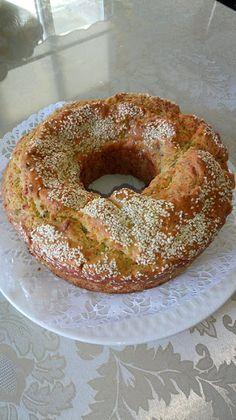 Τυρόπιτα Κυπριακή !!! ~ ΜΑΓΕΙΡΙΚΗ ΚΑΙ ΣΥΝΤΑΓΕΣ 2 Pita Recipes, Greek Recipes, Cake Recipes, Cooking Cake, Fun Cooking, Cooking Recipes, Sweet Loaf Recipe, Cookie Dough Pie, Cyprus Food
