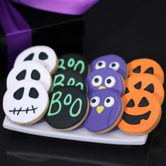 Hand-Decorated Halloween Cookies Brightly colored icing transforms each scrumptious shortbread cookie into a whimsical Halloween cookie. From hand-decorated owls, ghosts and even pumpkins, these treats are sure to be perfect Halloween treat! Halloween Desserts, Halloween Cupcakes, Halloween Cookies Decorated, Halloween Sugar Cookies, Halloween Goodies, Halloween Biscuits, Pumpkin Sugar Cookies Decorated, Frosted Sugar Cookies, Owl Sugar Cookies