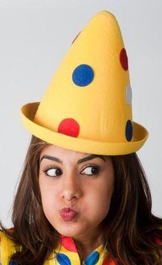 Yellow clown hat with dots - Las Fiestas