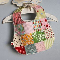 Favorite Sewing Projects i love these patchwork bibs, using favorite fabrics all at once - i love these patchwork bibs, using favorite fabrics all at once