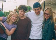 On the Set of Lizzie McGuire Old Disney, Disney Love, Lizzie Mcguire Cast, Todays Mood, The Originals Tv, Hair Icon, Scott Disick, Perfect Boyfriend, Hilary Duff