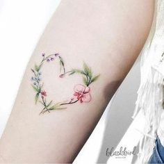 Floral Heart tattoo by @luiza.blackbird. MG-Brasil.