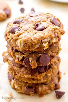 Peanut Butter Chocolate Chip Oatmeal Cookies (V+GF): An easy recipe for soft, deliciously textured cookies with oats, coconut, and LOTS of peanut butter and chocolate. #Vegan and #GlutenFree   BeamingBaker.com