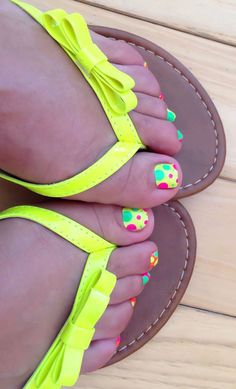49 Ideas Pedicure Ideas Toenails Summer Polka Dots For 2019 Pedicure Designs, Toe Nail Designs, Pedicure Ideas, Nail Ideas, Pedicure Colors, Nails Design, Cute Toes, Pretty Toes, Love Nails