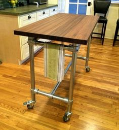 Kitchen island booth decor ideas 92 - Savvy Ways About Things Can Teach Us Kitchen Island Booth, Rolling Kitchen Island, Movable Island Kitchen, Kitchen Islands, Butcher Block Desk, Butcher Blocks, Diy Bank, Pipe Furniture, Industrial Furniture