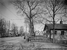 Sauna Läntisellä Viertotiellä eli nykyisellä Mannerheimintiellä Töölössä. Helsinki, Good Old, Old Photos, Finland, Street View, Beautiful, Vintage, Historia, Old Pictures