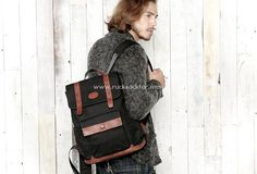 Rucksack 37*31*13 cm Canvas and leather.