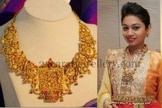 Jewellery Designs: Mythili Fusion Work Royal Jewelry