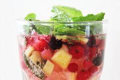 Bruisend fruitdrankje: een healthy fruitwater met prik. Echt een aanrader!