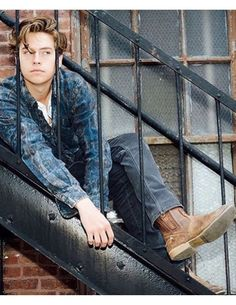 Cole Sprouse style