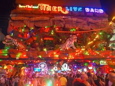 PHUKET, Patong, Bangla Road Patong Nightlife. For the Best #Hotels & Resorts We help you with your bookings http://thailand-besthotels.com/ http://phuket-besthotels.com/ http://hotels-patong.com/ http://thailandrentcar.com/
