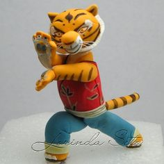 Tigress from Kung Fu Panda porcelana fria polymer clay Kung Fu Panda Cake, Panda Cakes, Fondant Cake Toppers, Fondant Figures, Cupcake Toppers, Fondant People, 6th Birthday Cakes, Biscuit, Create A Cake