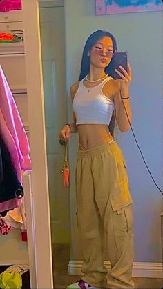 2000s Fashion, Indie Fashion, Aesthetic Fashion, Look Fashion, Aesthetic Clothes, Streetwear Fashion, Indie Outfits, Teen Fashion Outfits, Retro Outfits
