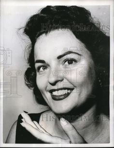 1956 Press Photo Chicago Model Margie Adams wears different colored contact lens in Collectibles, Photographic Images, Contemporary (1940-Now) | eBay