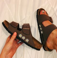 70 Trendy how to wear birkenstock with socks summer Sock Shoes, Cute Shoes, Me Too Shoes, Women's Shoes, Crazy Shoes, Shoes Sneakers, Dance Shoes, Birkenstock With Socks, Birkenstock Mayari