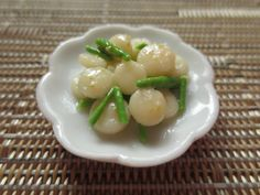 Miniature Scallops with Asparagus