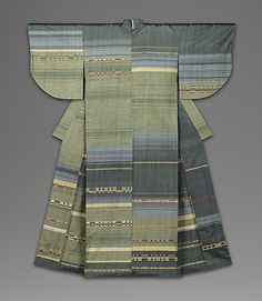 Tamamo  Harada Mana  (Japanese, 1922–2006)  Period: Shôwa period (1926–89) Date: 1959 Culture: Japan Medium: Kimono; polychrome plain-weave silk with occasional discontinuous wefts