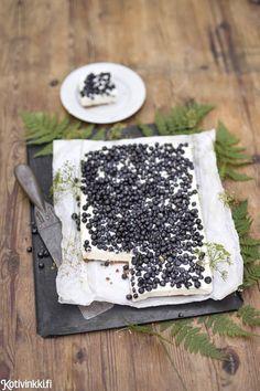 Valkosuklaa-mustikkapiirakka – tässä on kesän paras makupari   Kotivinkki