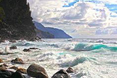 Ocean Waves on Na Pali Coast, Kauai by Doug Porter on 500px