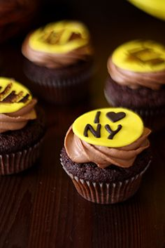 Cupcakes aus dunkler Schokolade