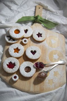 Holidazed: Strawberry, Apricot, Nutella & Sour Cherry Linzer Cookies