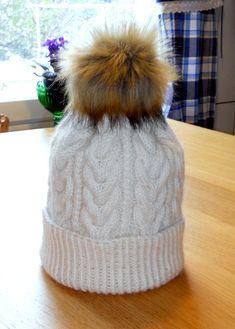 Itselleni palmikkopipo. Knitted Hats, Winter Hats, Beanie, Knitting, Fashion, Moda, Tricot, Fashion Styles, Breien