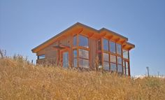 Over the last several years, prefab cabins have become a popular option for people looking for cabin-style homes. Tiny House Kits, Tiny House Blog, Small House Plans, Prefab Cabins, Prefab Homes, Modular Homes, Cabin Design, Tiny House Design, Tyni House