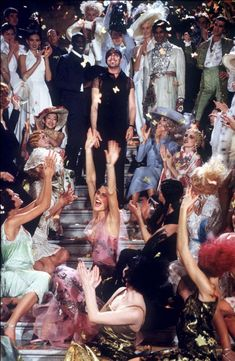 Christian Dior haute couture spring/summer 1998 by John Galliano. The most unforgettable fashion show ever! The fashion show was take place at Opera Garnier Paris. Dior Haute Couture, Christian Dior Couture, John Galliano, Galliano Dior, The Wombats, Studio 54, Foto Art, The Great Gatsby, Facon