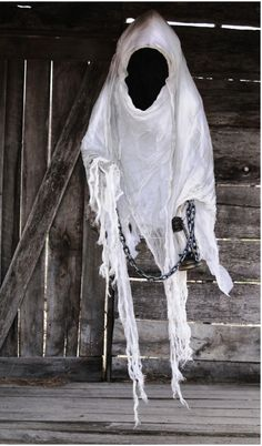 Hanging Faceless Ghosts Halloween Decorations
