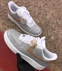 10 Sneakers To Add Your Wardrobe - Inspired Beauty Tenis Air Force, Air Force Shoes, Nike Air Force 1, Air Jordan Sneakers, Jordan Shoes, Zapatillas Nike Jordan, Sacs Louis Vuiton, Sneakers Fashion, Shoes Sneakers