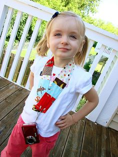 """How to make a custom camera strap for a point and shoot camera. Perfect safety feature to ensure your little one doesn't drop the camera to the ground! What a great """"Big Sister"""" gift! Diy Camera Strap, Camera Neck Strap, Emma Bebe, Peanut Blossoms, Sewing Crafts, Sewing Projects, Learn To Sew, How To Make, Safari"""