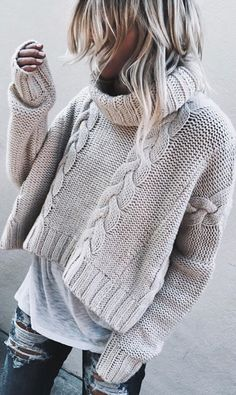 Every woman looking for chic and casual sweaters to wear this winter without being too expensive, Now it's easy to complete this look with a jean and worm boots. We give you a Great Selection of Chic and Boho Style Sweaters,… Continue Reading → Look Fashion, Winter Fashion, Jeans Fashion, Fashion Outfits, Grey Fashion, Woman Fashion, Spring Fashion, Pullover Mode, White Turtleneck