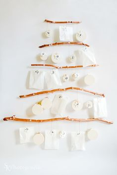 Offbeat and Dynamic 25 Christmas Tree Advent Calendar Christmas Tree Advent Calendar, Diy Advent Calendar, Christmas Countdown, Merry Christmas, Christmas Ideas, Diy Weihnachten, Christmas Tree Decorations, Wonderful Time, Diy Projects