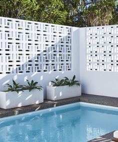 14 Ideas for Breeze Block Wall Inspiration – Breeze Blocks Decorative Concrete Blocks, Concrete Block Walls, Cinder Block Walls, Outdoor Spaces, Outdoor Living, Outdoor Decor, Besser Block, Breeze Block Wall, Moderne Pools