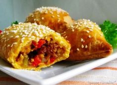 Przekąski Vegan Ramen, Ramen Noodles, Empanadas, Baked Potato, Potatoes, Baking, Ethnic Recipes, Food, Potato
