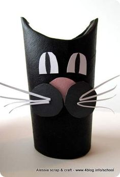 Lavoretti, zoo con i tubi di cartone: gatto nero di Halloween