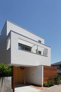 開放感だけじゃない!吹き抜けをもっと多彩に#homify #ホーミファイ #建築 #住まい https://www.homify.jp/ideabooks/377068 今回紹介するのは、限られた面積の住空間を三人のお子さんが縦横無尽に遊びまわることのできる住まい。
