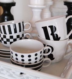 love these black and white mugs