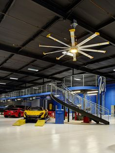 West Coast Customs installed a 12-ft Powerfoil®X2.0 and three Haiku fans in their new shop. #bigassfans #westcoastcustoms