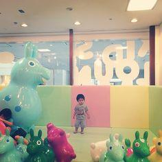Instagram media kana_shu - ロディに囲まれて