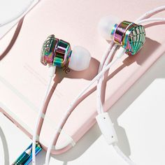 While the weather is still bright and sunny so are our selects on what we're currently loving, and tech gadgets are no exception. These pocket-sized goodies are as colorful and whimsical as t…