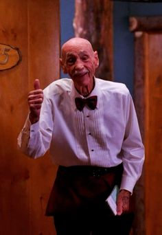 Twin Peaks. God I find this man so uncomfortable...