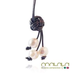 #collar con tres #perlas colgantes bajo un precioso nudo de #cuero. Una manera desenfadada de llevar perlas no crees? Disponible en tienda online:  http://ift.tt/1fIyQt7  #necklace #pearls #leather #accesories #diseñoExclusivo #elegancia #fashion #femenino #fino #gift #guapa #handmade #hautecouturejewelry #instafashion #jewel #joya #joyeria #joyeriadediseño #ladies #MadeinSpain #madrid #magia #MalalaDePerlas