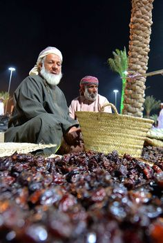 Oman | Old Men & Dates. credit: Muscat Festival. view on Fb https://www.facebook.com/SinbadsOmanPocketGuide  #oman #traveltooman #MyOman #travel #muscat #sinbadpocketguide #muscatfestival